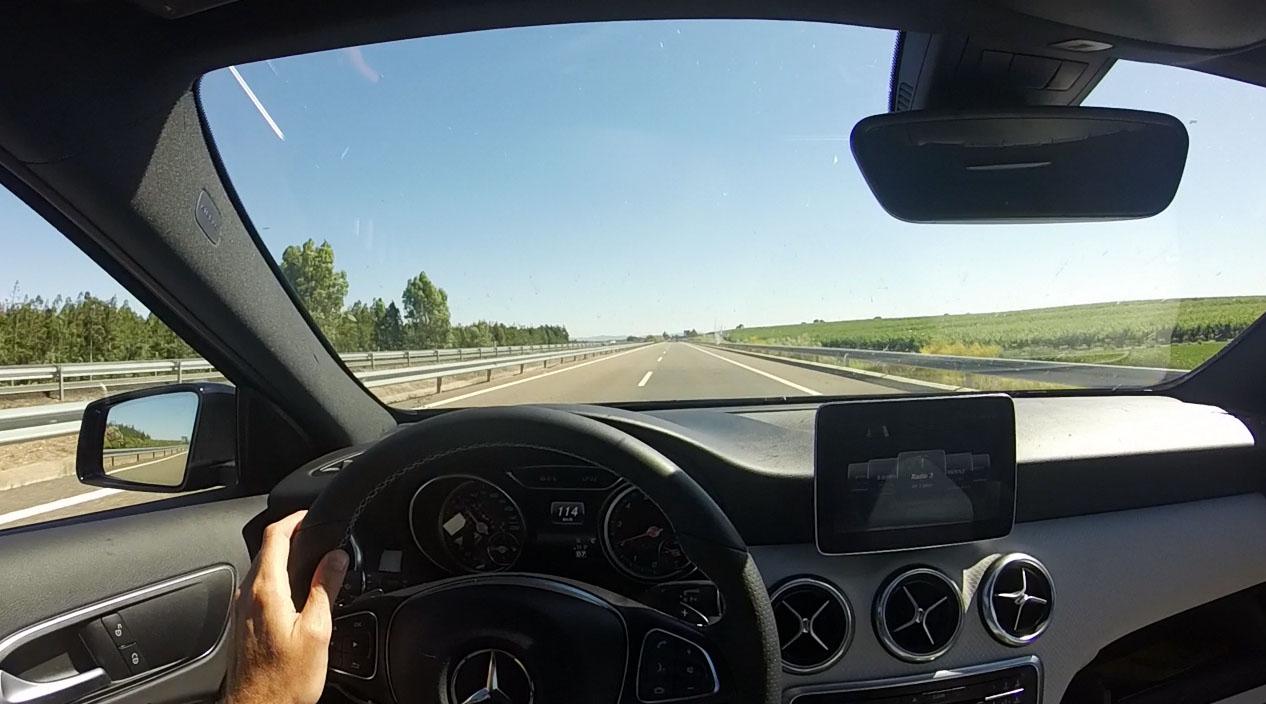 Viaje al Festival Interestelar con directo de Smile y MAGA en el coche